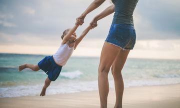 Διακοπές με το παιδί: Τα παιδιά δε θέλουν παιχνίδια, φαντασία θέλουν !