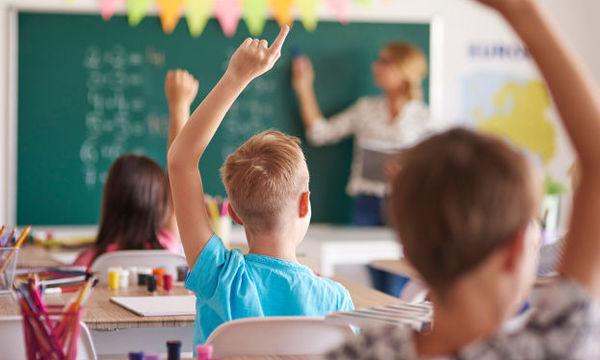 Εξετάζεται η αλλαγή ωραρίου στα σχολεία - Έναρξη στις 9 το πρωί