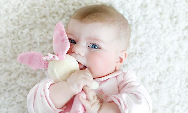 Μωρό 6 μηνών: Τι μπορεί να κάνει σε αυτή την ηλικία (pics)