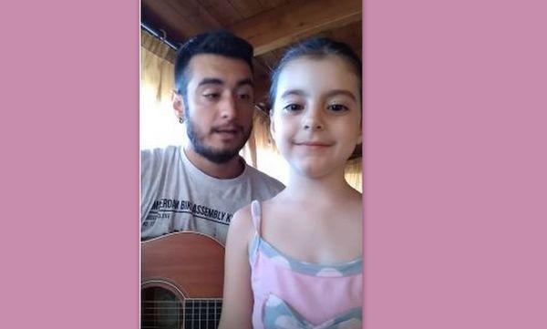 "H 5χρονη Κρητικοπούλα ως άλλη ""Αρετούσα"" τραγουδά με τον θείο της και γίνεται viral! (vid)"