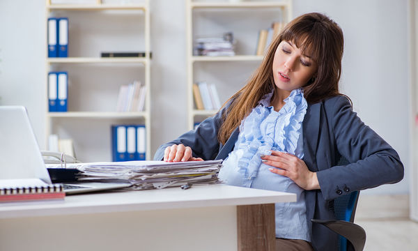 Εγκυμοσύνη και εργασιακό περιβάλλον: Τι να προσέχετε