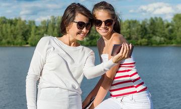 Η cool πλευρά των γονέων - Πόσο απαραίτητη είναι για να επικοινωνήσουν με τους εφήβους;
