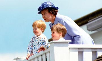 Οι πιο όμορφες φωτογραφίες της Βασίλισσας Ελισάβετ με τα εγγόνια και τα δισέγγονά της (pics)