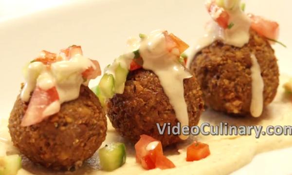 Συνταγή: Φτιάξτε τα πιο νόστιμα σπιτικά φαλάφελ (vid)