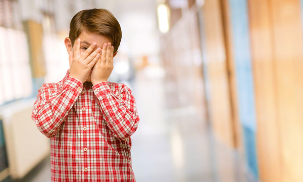 Διστακτικό παιδί: Οι διάφοροι τύποι των ντροπαλών παιδιών και πώς να τους διαχειριστείτε