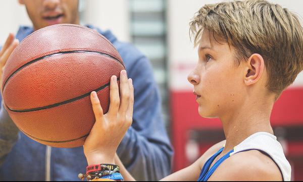 5 λόγοι για να ενθαρρύνετε το παιδί σας να συμμετέχει σε μια αθλητική δραστηριότητα
