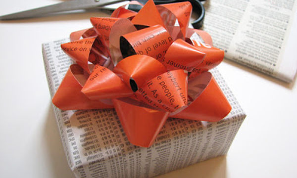 Φτιάξτε διακοσμητικά δώρων από περιοδικά (vid)