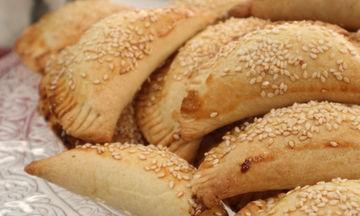 Συνταγή για νόστιμα πιτάκια με κιμά και φέτα