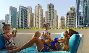 Η πανέμορφη γυναίκα απο την Ουγγαρία που βγάζει τις πιο ωραίες φωτογραφίες με τα παιδιά της (pics)