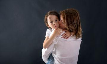 Τα συμπτώματα διάσεισης στα παιδιά (vid)