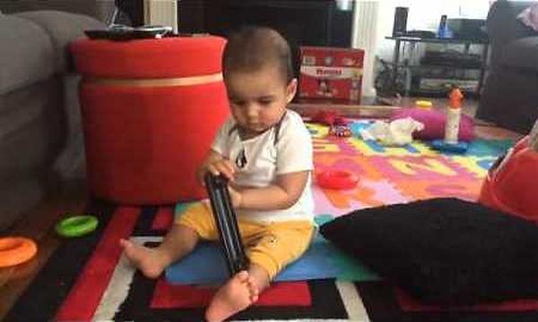 Πολύ γέλιο! Δείτε την αντίδραση του μωρού όταν ακούει το θόρυβο του μπλέντερ (vid)
