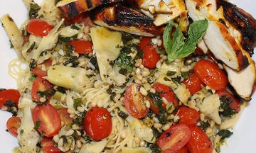 Μακαρονάδα με ψητό κοτόπουλο και λαχανικά - Διαφορετική και πεντανόστιμη (vid)