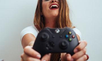 Οι 5 συνήθειες των κοριτσιών που λένε συνεχώς πως είναι... «ευτυχισμένες»
