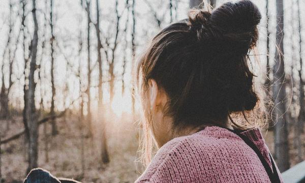 Όλοι οι λόγοι που νιώθεις μοναξιά και τα κατάλληλα quotes για να το ξεπεράσεις