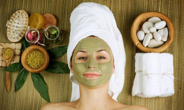 Οι 10 πιο αποτελεσματικές και φυσικές μάσκες για το πρόσωπο (vid)