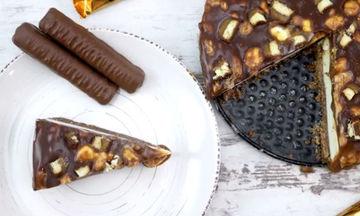 Λαχταριστό και σοκολατένιο cheesecake με twix (vid)