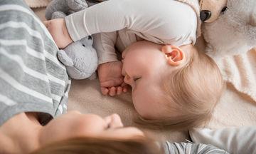 Πιπίλα ή δάχτυλο: Τα προβλήματα που δημιουργούνται στα δόντια του παιδιού