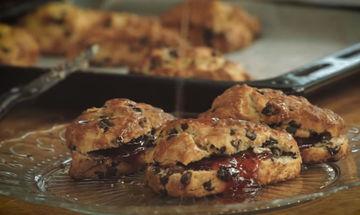 Scones - Μια συνταγή για να φτιάξετε αυτό το λαχταριστό γλυκάκι