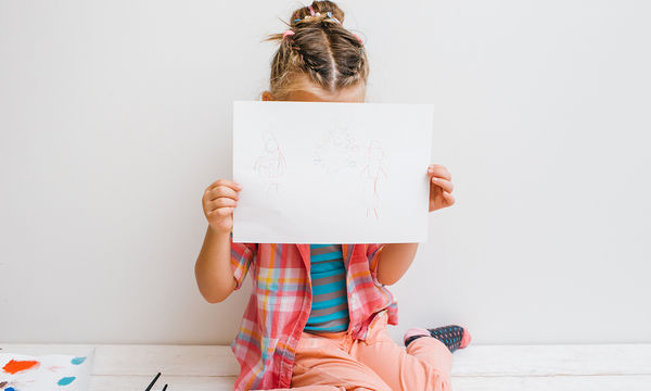 Αν δεν μπορούν να βοηθήσουν οι γονείς ένα ντροπαλό παιδί… ποιος μπορεί;