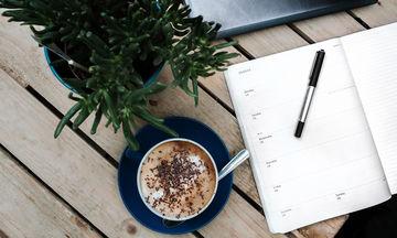 Πώς να φτιάξεις το τέλειο coffee table για το φοιτητικό σαλόνι σου