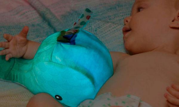 Αυτή η φάλαινα, θα γίνει ο καλύτερος σύντροφος των μωρών φίλων σε ώρες χαλάρωσης