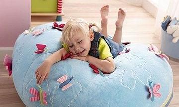 Πουφ με πεταλούδες για το παιδικό δωμάτιο του παιδιού σας