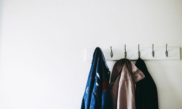 Φοιτητικό σπίτι: Αυτή είναι η καλύτερη DIY κρεμάστρα για παλτό