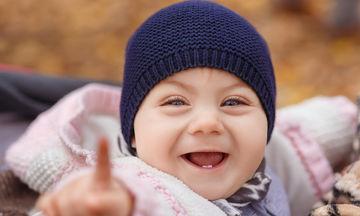 Πώς να ενισχύσετε την συναισθηματική ανάπτυξη σε βρέφος ενός έτους