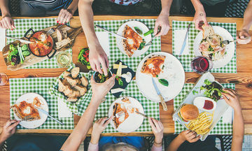 Η κρίση άλλαξε τις διατροφικές μας συνήθειες: Τι τρώμε, τι αποφεύγουμε