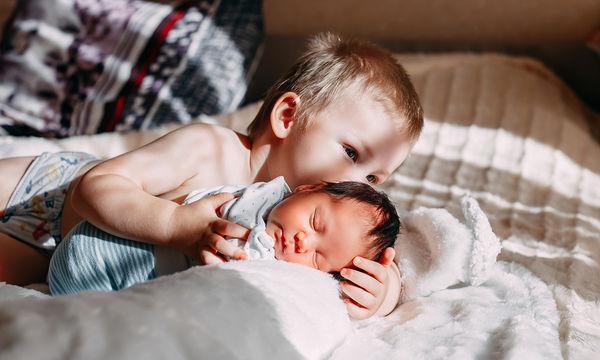 Πότε αρχίζουν να μιλάνε τα μωρά και ποιες είναι οι πρώτες τους λέξεις
