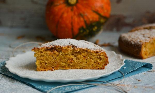Συνταγή με κολοκύθα: Ακαταμάχητο κέικ κολοκύθας - Πιο νόστιμο δεν έχετε φτιάξει