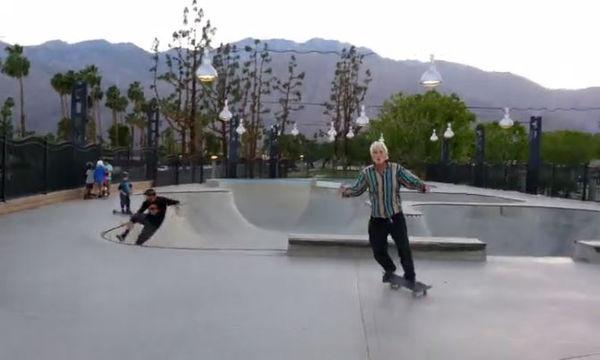 Μπορεί να είναι μεγάλος σε ηλικία όμως το ταλέντο του στο Skateboard μας άφησε άφωνους (vid)