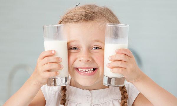 Παχαίνουν τα παιδιά όταν πίνουν πολύ γάλα;