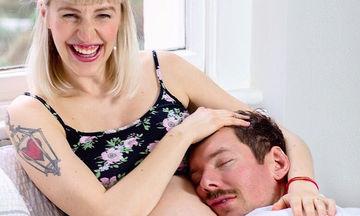 Οι πιο τρυφερές φωτογραφίες ζευγαριών λίγο πριν και αμέσως μετά τον ερχομό του παιδιού τους (pics)