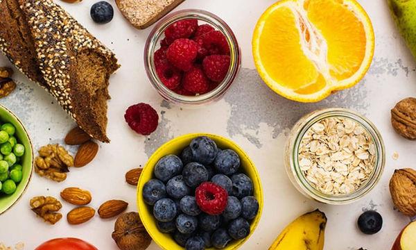 Φυτικές ίνες: Τα οφέλη για την υγεία από την επαρκή πρόσληψη (εικόνες)