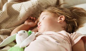Ύπνος παιδιού: Οι πιο συχνοί μύθοι για τον παιδικό ύπνο