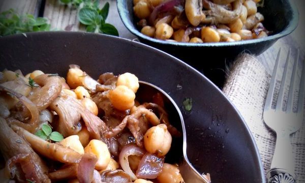 Συνταγή για Ρεβιθοσαλάτα με μανιτάρια