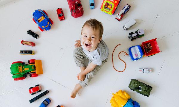 Hot Wheels Πίστα Με 2 Αυτοκινητάκια για τα αγόρια που τρελαίνονται για τα αυτοκίνητα