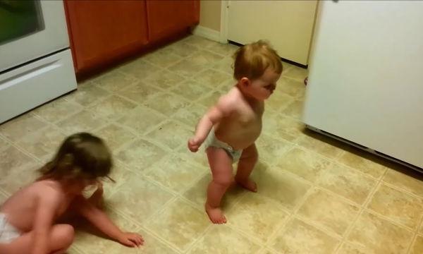 Ο χορός τους ξετρέλανε το διαδίκτυο - Δείτε γιατί (vid)