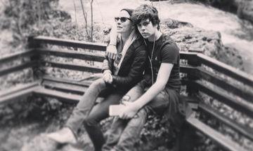 Άγγελος Λάτσιος: Πόσταρε φωτό να φιλάει την αδελφή του, Λάουρα κι «έλιωσε» το instagram