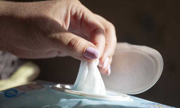 Μωρομάντηλα: Ούτε που φαντάζεστε τι μπορείτε να καθαρίσετε, εκτός από το μωρό σας φυσικά (vid)