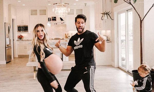 Είναι 9 μηνών έγκυος, περιμένει τρίδυμα και χορεύει αφήνοντας τους πάντες άφωνους! (vid)