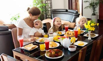 Ποιο πρωινό θεωρείται ισορροπημένο για εσάς και το παιδί σας; (vid)