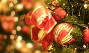 Πώς να στολίσετε μοντέρνα το χριστουγεννιάτικο δέντρο σας (vid)