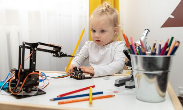 Ηλιακό ρομπότ με ανακυκλώσιμα υλικά - Τα παιδιά θα ενθουσιαστούν