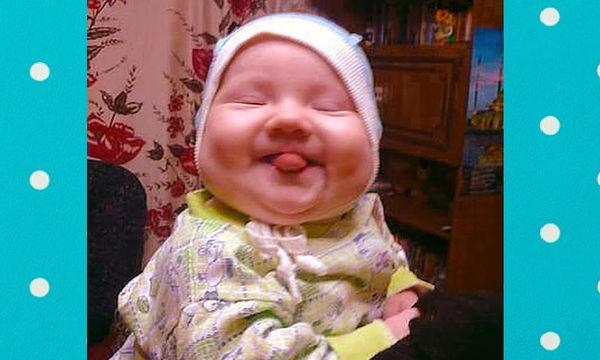 Μωράκια βγάζουν έξω τη γλώσσα τους και μας τρελαίνουν (vid)