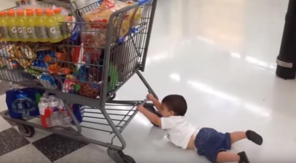 Γονείς και παιδιά σε ξεκαρδιστικές στιγμές  (vid)