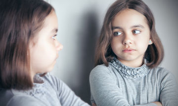 Πώς θα βοηθήσω την κόρη μου να αποδεχτεί την εξωτερική της εμφάνιση