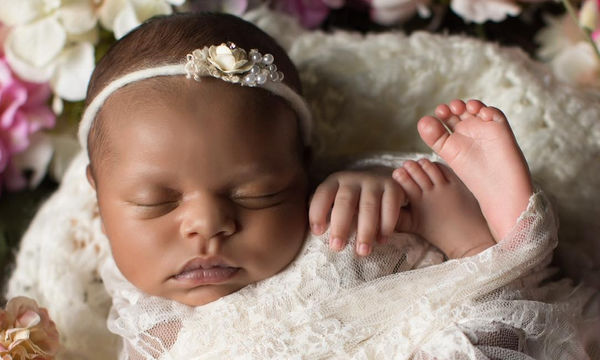 Αυτή είναι η Soraya! Η κούκλα κόρη γνωστού ηθοποιού (pics+vid)