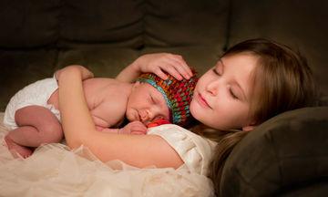 Αυτές οι φωτογραφίες νεογέννητων έχουν ένα υπέροχο φυσικό φόντο (pics)